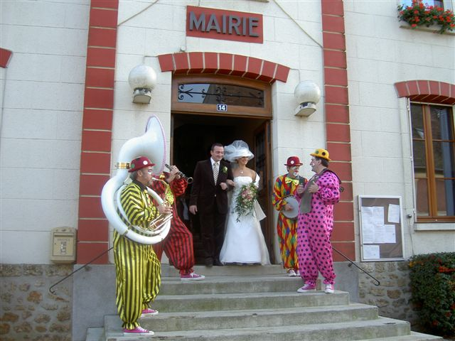 Clown orchestre jazz fetes parades village for Idee sortie 78